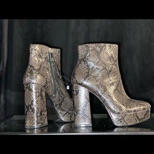Zara Shoes - Zara Platform boots